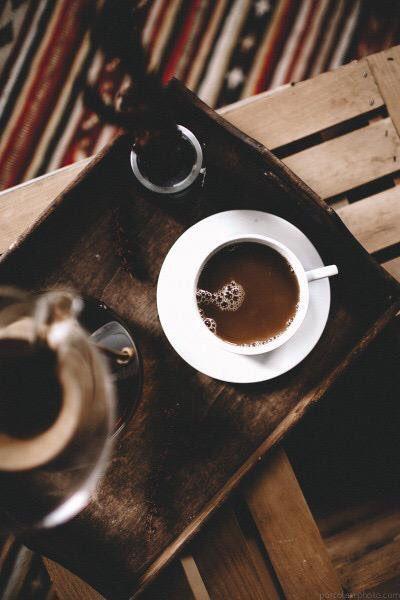 قرأت كثيرا عن أضرار القهوة 😵 لذلك قررت أن أتوقف عن القراءة 👍👌