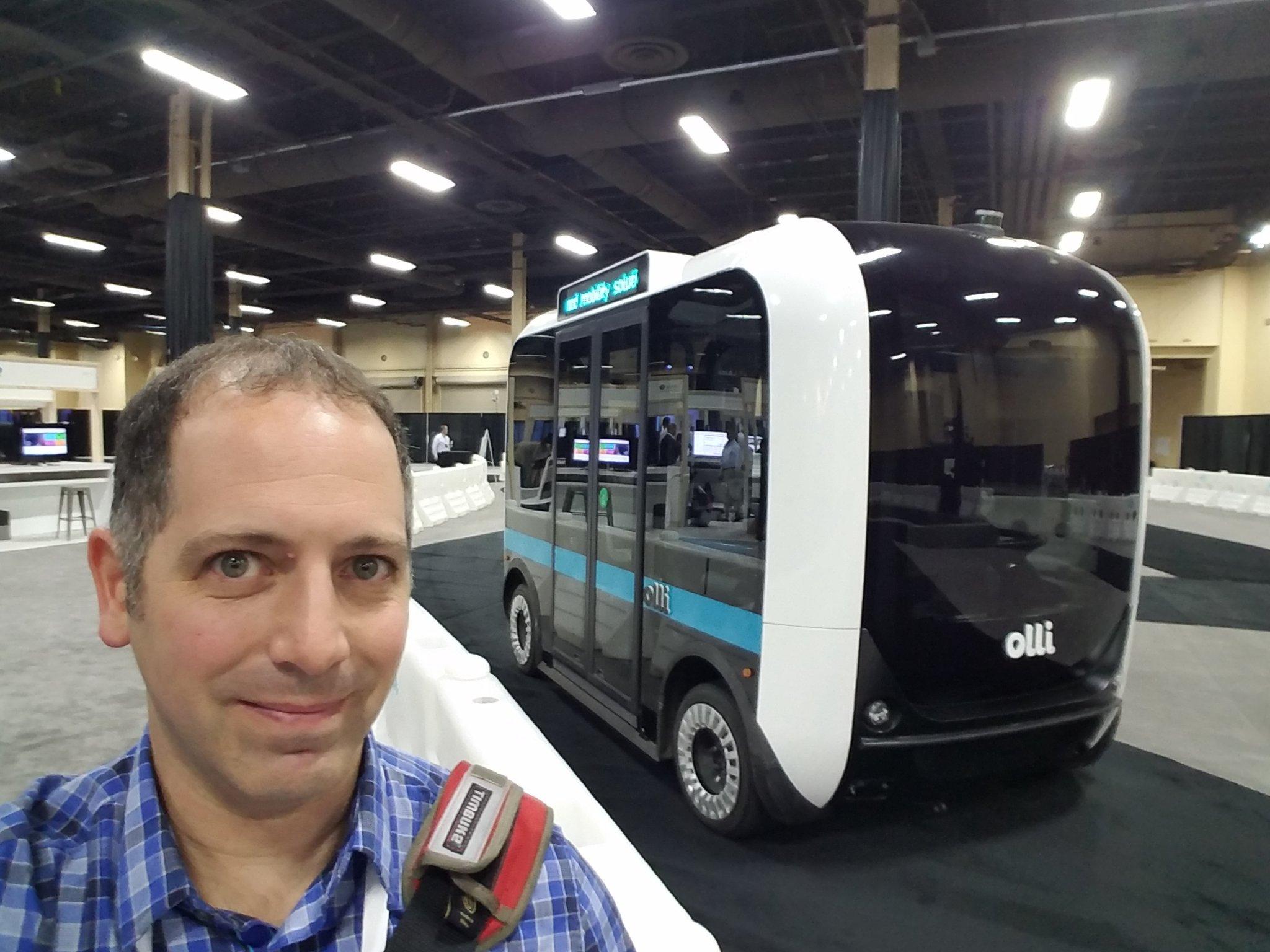 Very cool. @localmotors #olli self driving bus. @IBMWatson #ai #ibmwow #autonomouscar https://t.co/0b72kOboAs