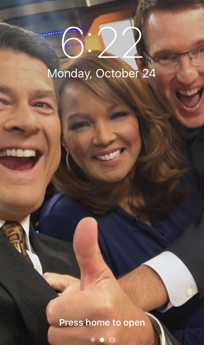 Note to self (version 96.0) - do not leave phone unattended at the @WXYZDetroit desk.