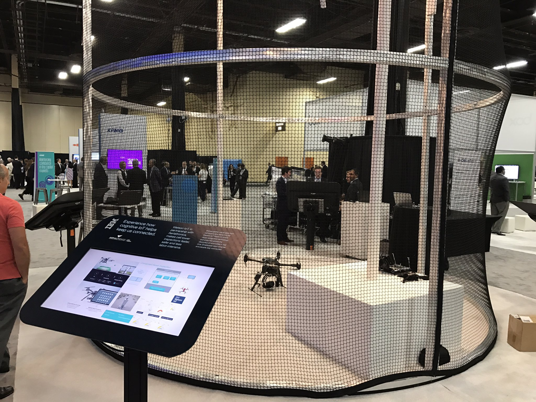 No contemporary #tech event, especially with #IoT prominent in the program, can not have an indoor #drone cage. #ibmwow https://t.co/jnLL4qrhXN