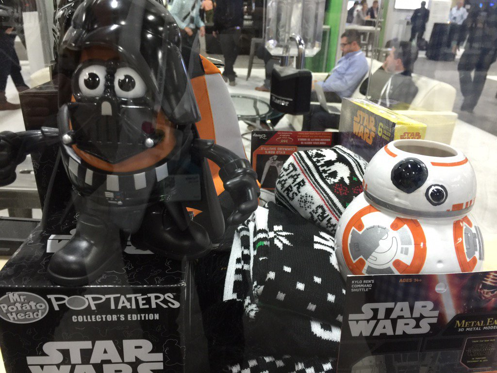 Look what I won! Thank you @DataScienceInc!  Coolest #tech in the Cognitive Concourse! #ibmwow #StarWars #robots #AI https://t.co/ODSLZ4Go8L