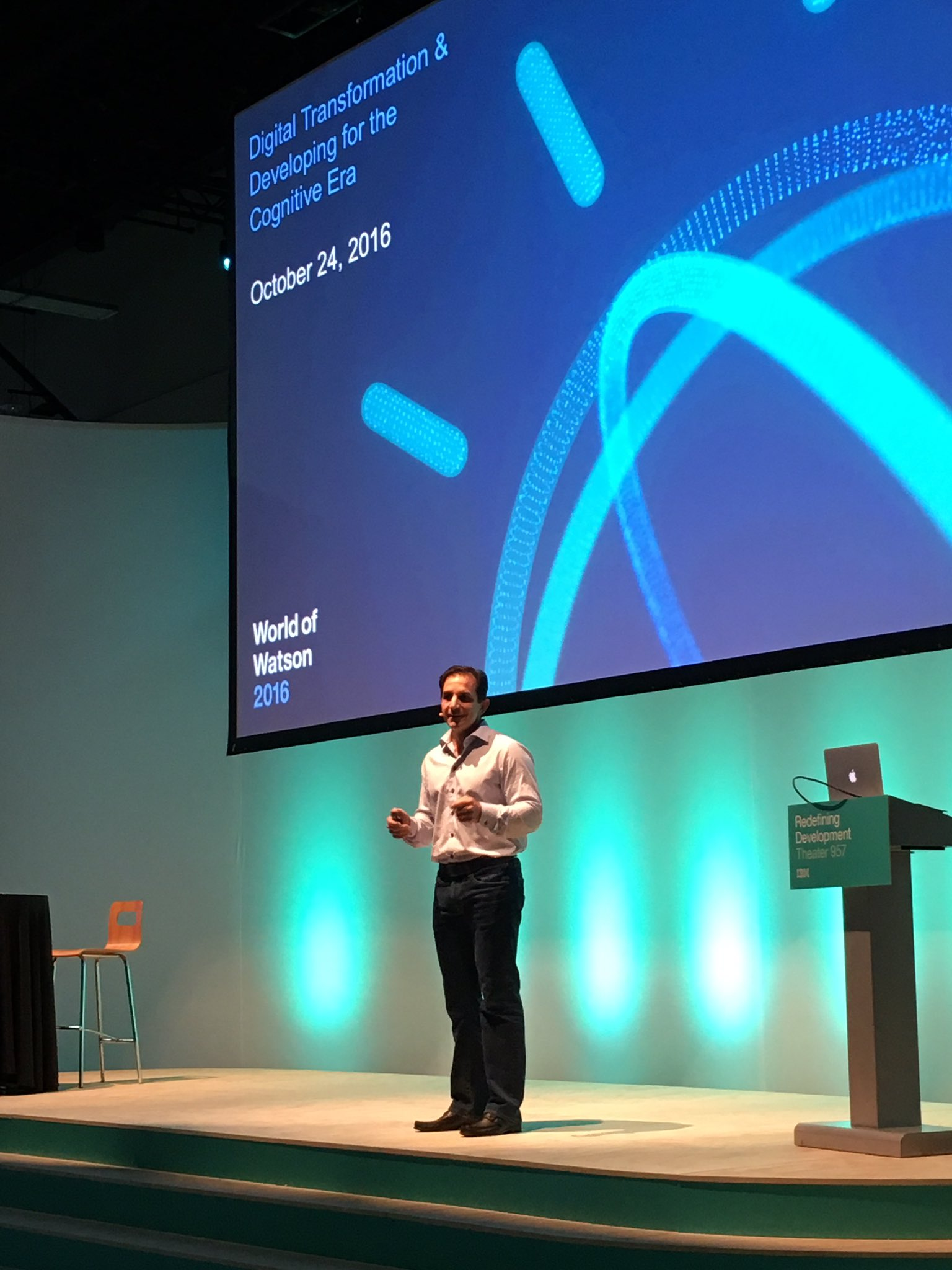 @rwlord kicks off a keynote on the #cognitiveera at #ibmwow https://t.co/bfNsjRcdWV
