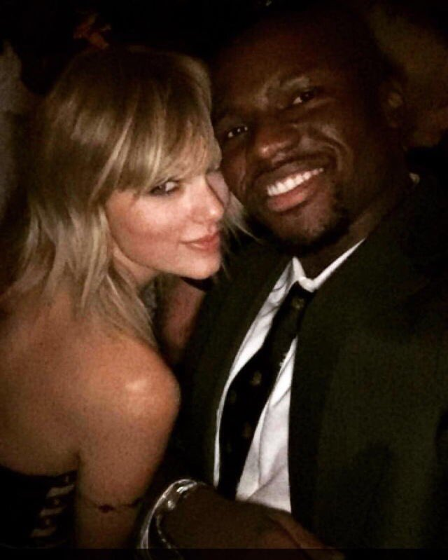 Taylor Swift News On Twitter People Taking Selfies With Taylor At Drake S Birthday Party Last Night In La