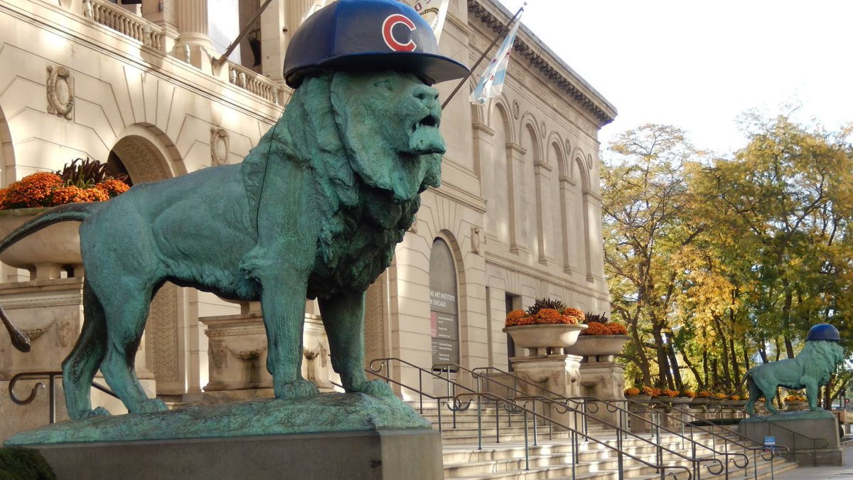 The Art Institute lions are sporting @Cubs hats for the first time ever!