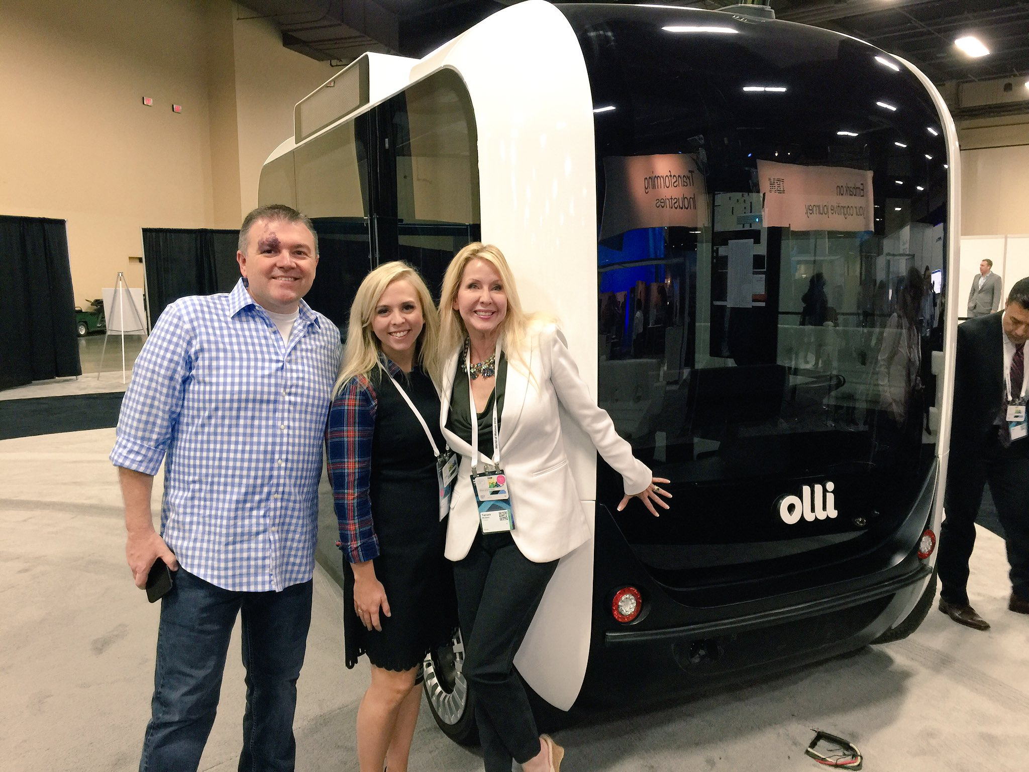 How cool is the #Olli powered by #Watson?! Made by @localmotors, I will be talking about it tomorrow in my #IoT keynote. #ibmwow https://t.co/qNYidiRMKI