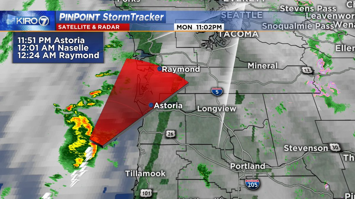 Lots of lightning off the north Oregon coast. Could get into Pacific County, WA around midnight. wawx