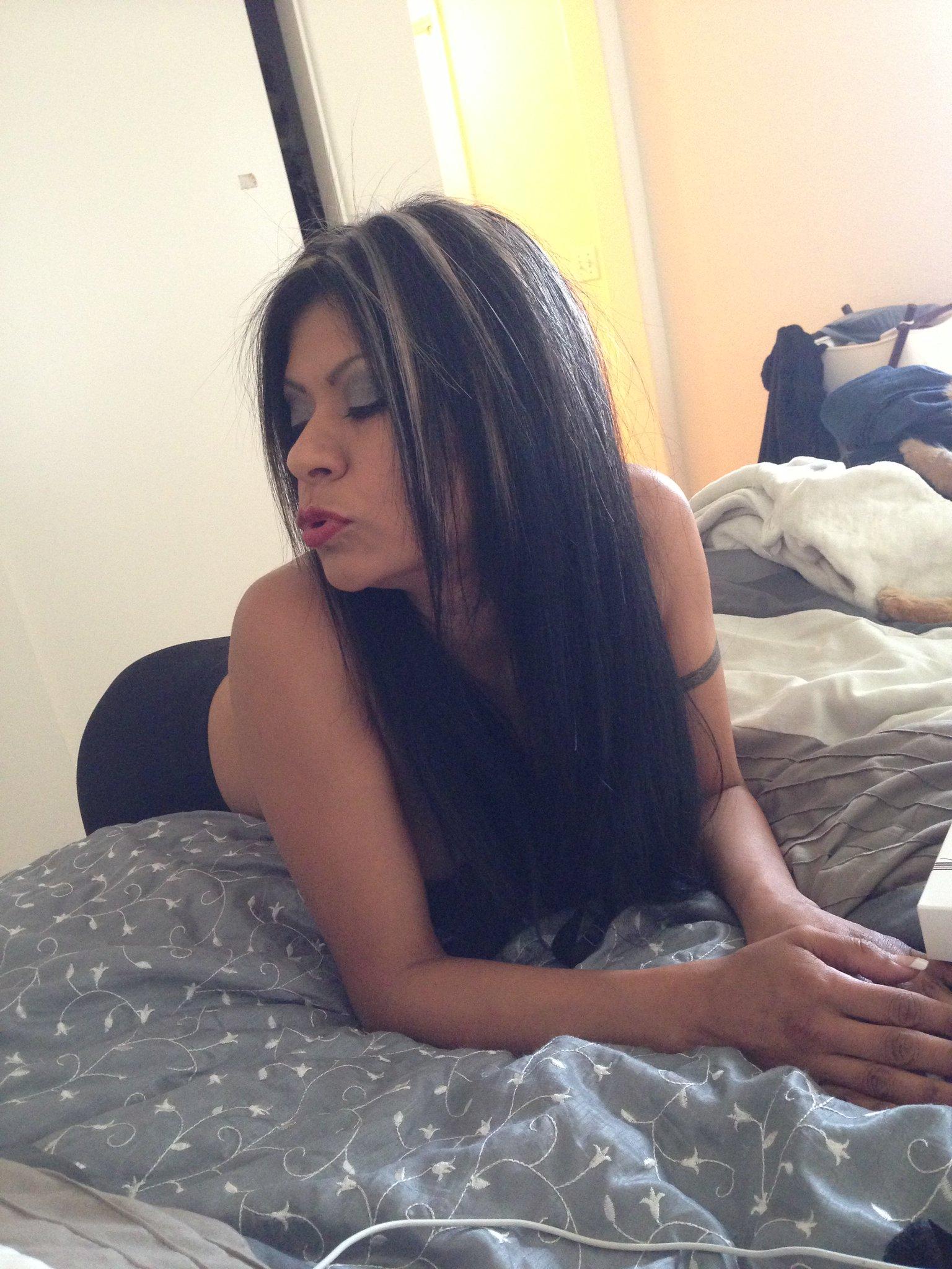 Gabby Quinteros Nude Photos 24