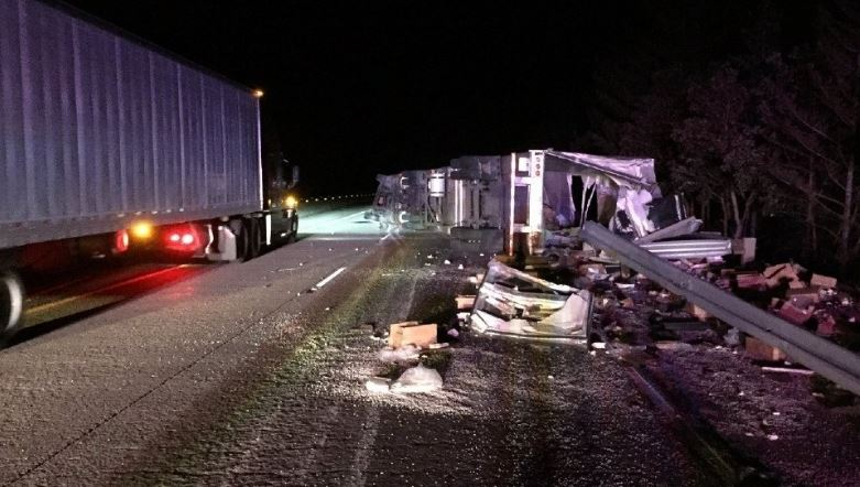 Semi hauling 40,000 pounds of shredded cheese crashes on I-5 in Oregon -
