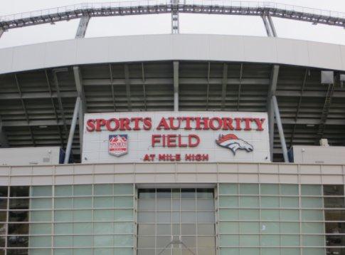 Fan falls at Monday night's Broncos game