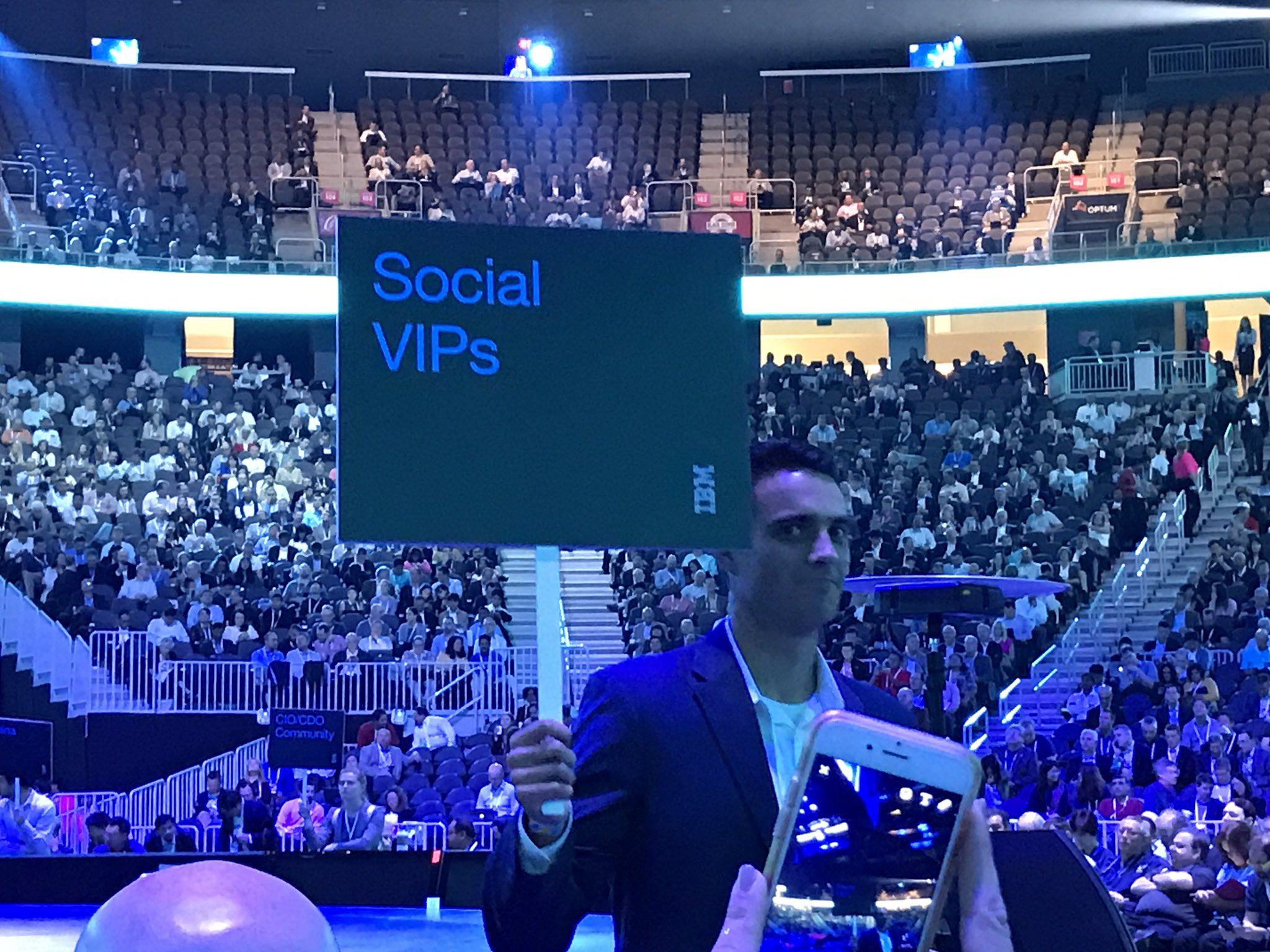 "A shout out to @erikariehle, @theRab and a host of other #IBM'ers for great hosting of us ""social VIPs"" at #ibmwow this week. #tech https://t.co/vGmJkdgyZI"