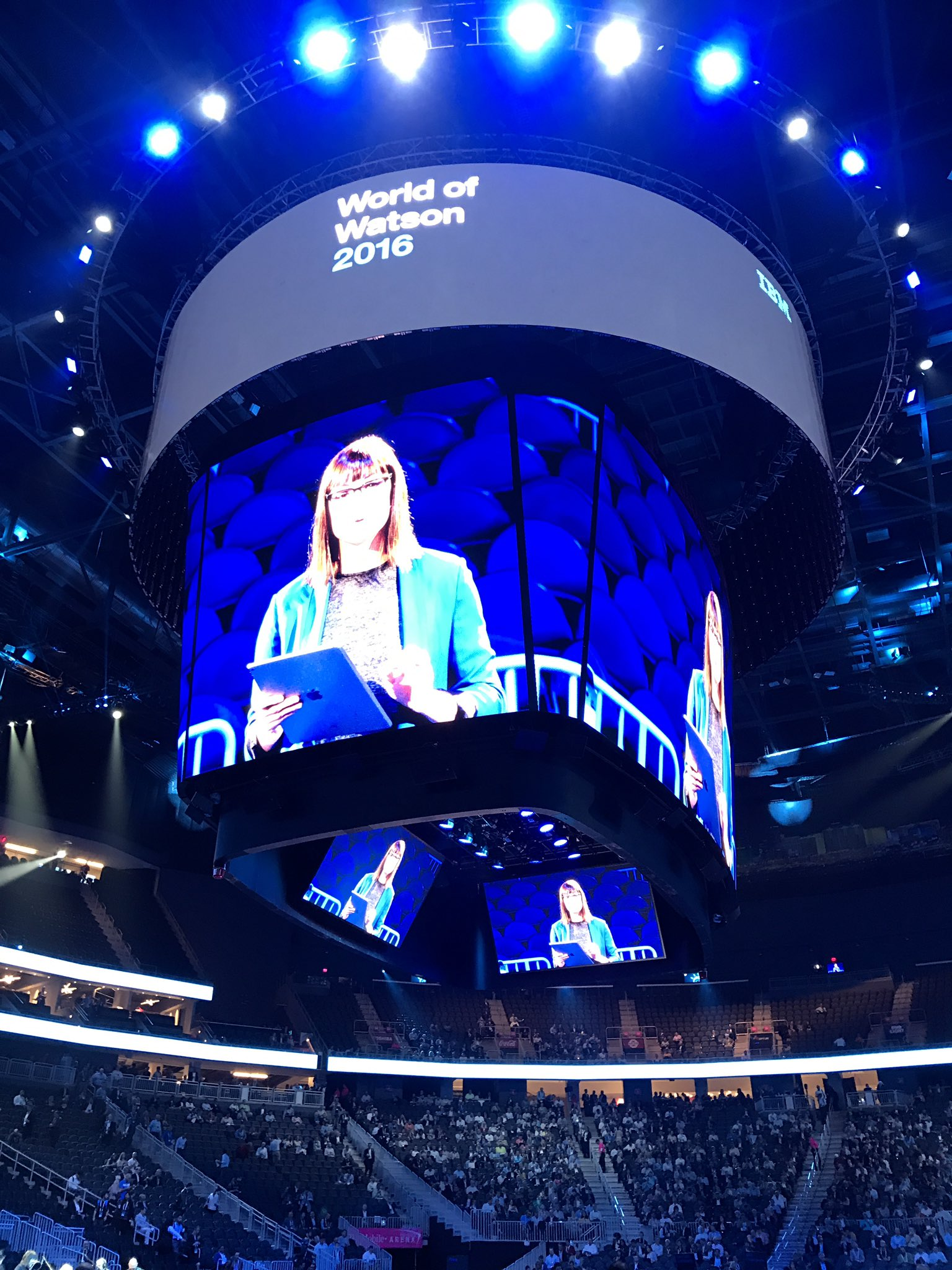 Arriving at the huge @TMobileArena for the big #ibmwow general session with @tomfriedman, @davidwkenny and a cast of dozens. #ai #cio https://t.co/IfG9Rsntiw