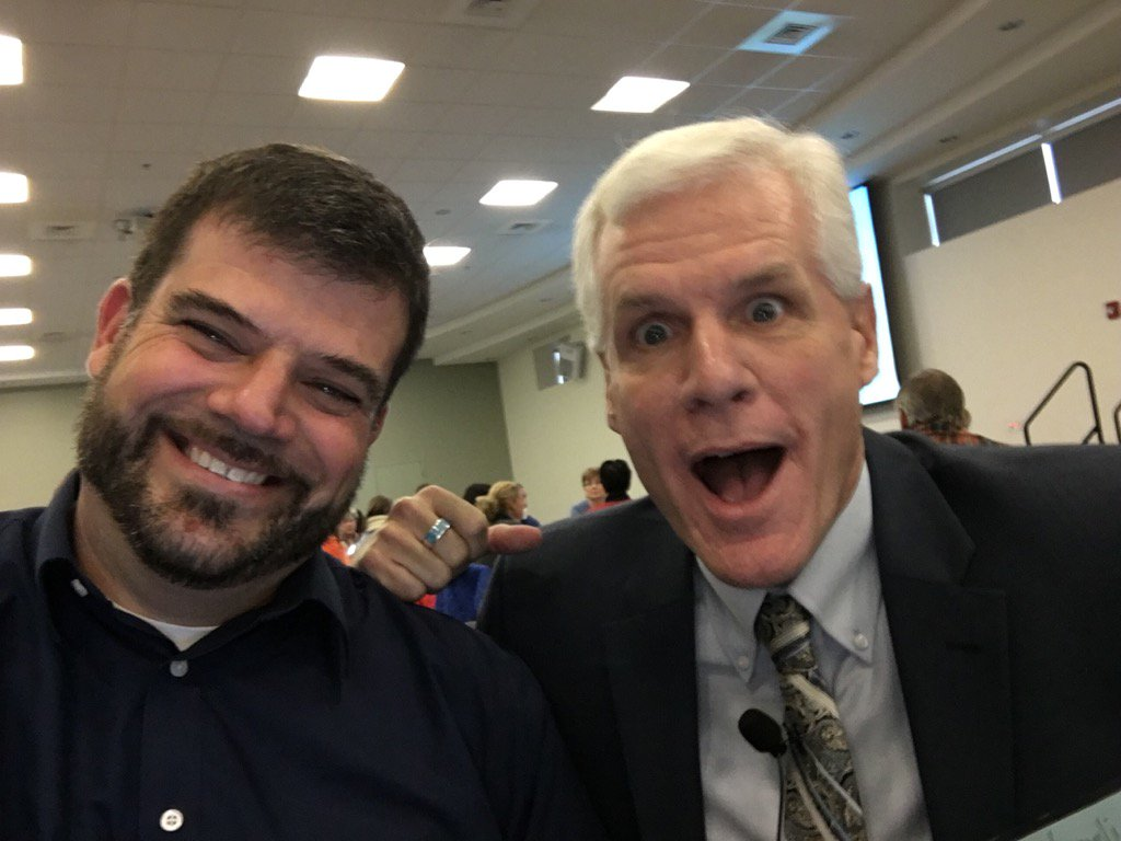#vted #wsdvt @rickwormeli2  finds us in the crowd for a selfie! AT NELMS in NH👍🏻 https://t.co/GutxZKoFhD