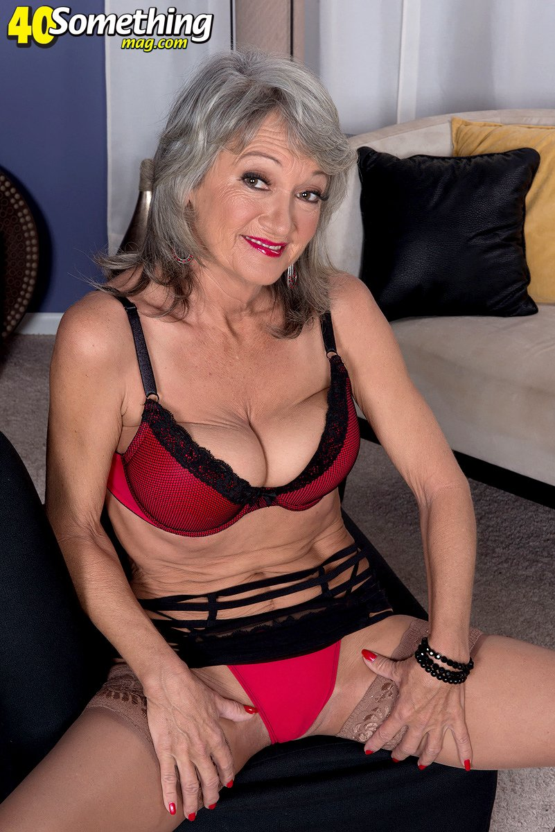 Sexy madre madura desnuda