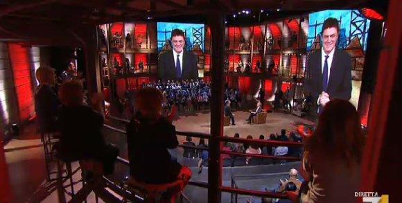VIDEO Copertina Crozza diMartedì 25/10 (ieri sera): Renzi e lo stipendio ai parlamentari.