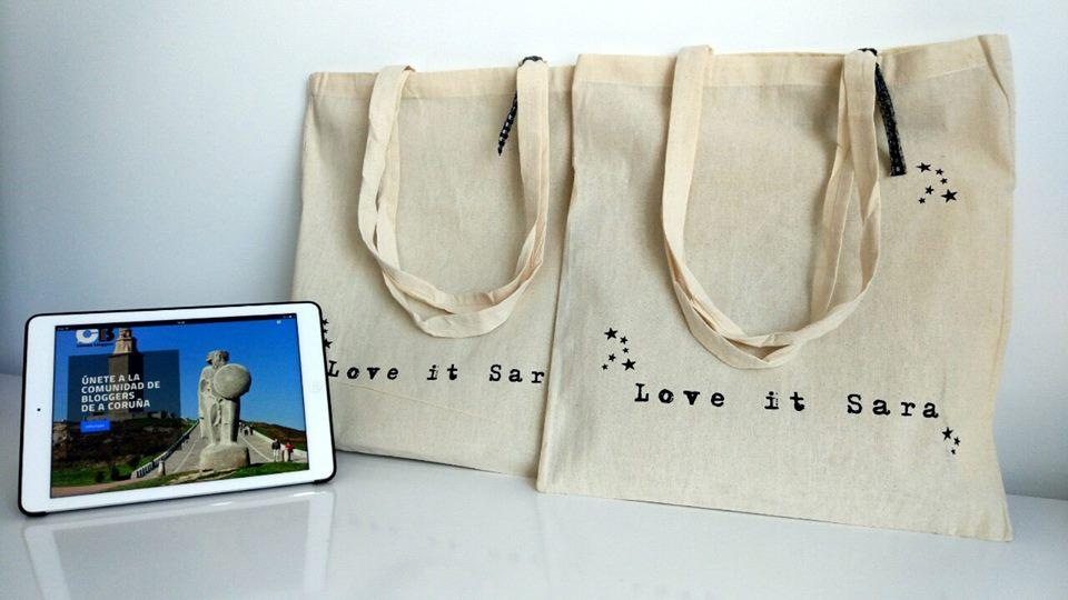 No os olvidéis que @loveitsara sorterá mañána dos camisetas en el #coruñabloggers https://t.co/WAiFQPrCsC https://t.co/axRp0LLQFA