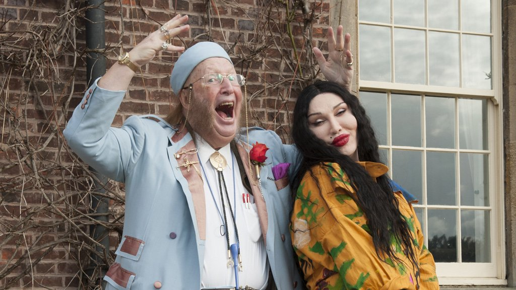 In tribute of the late #PeteBurns, #My5TV will be showing Pete Burns: Celeb Wedding Planner at 9pm. pic.twitter.com/eUKlHlmAqd