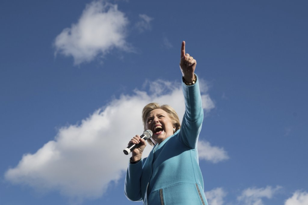 Hillary Clinton campaigns in Florida