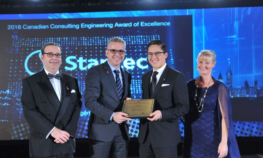 For its work on the Low Level Road Project in North #Vancouver, @Stantec wins Award of Excellence! #CCEawards #transportation https://t.co/u9v4n48xWf