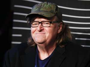 Michael Moore makes case for Clinton in 'Trumpland'
