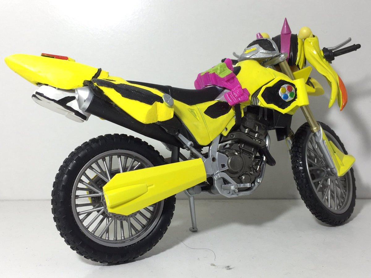 ライダー少女 仮面ライダーレーザー バイクゲーマー レベル2 ですあえてベースを劇中基準としましたごめんなさい pic.twitter.com/oNkty3rx1K