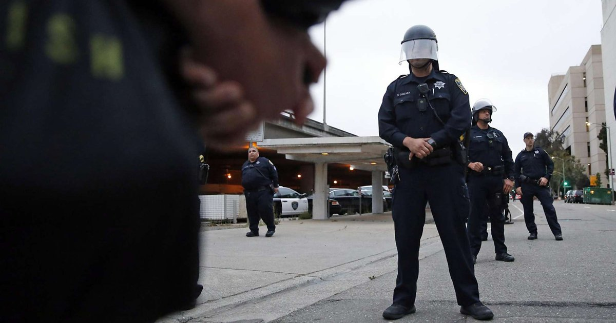 Editorial: @oaklandpoliceca is a troubled institution. Vote yes on Oakland Measure LL.