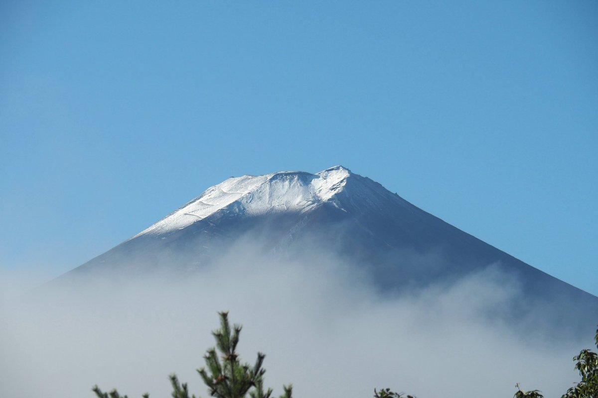 二度目の「初冠雪」もうちょいアップ OLYMPUS OM-D E-M5 Mark II 14-150/4-5.6 II  #fujisan #mtfuji #富士山 #富士山ノ会  #毎日富士山 https://t.co/0uHxteGGea