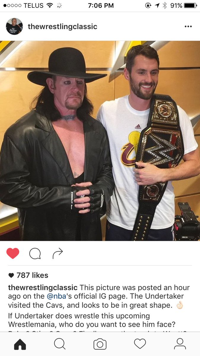Is it just me, or does this picture of The Undertaker look like he came straight out of a wax museum. https://t.co/MHTd4Oo4BA