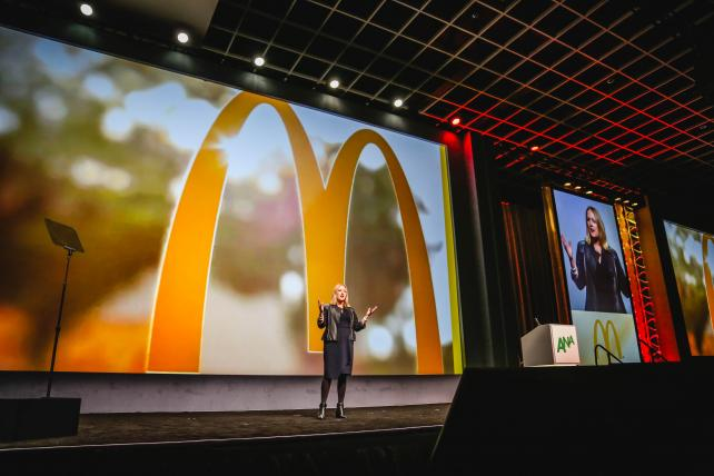 .@McDonalds cooking up some changes as U.S. growth slows https://t.co/CykAWDLerX https://t.co/anOBIUvckC