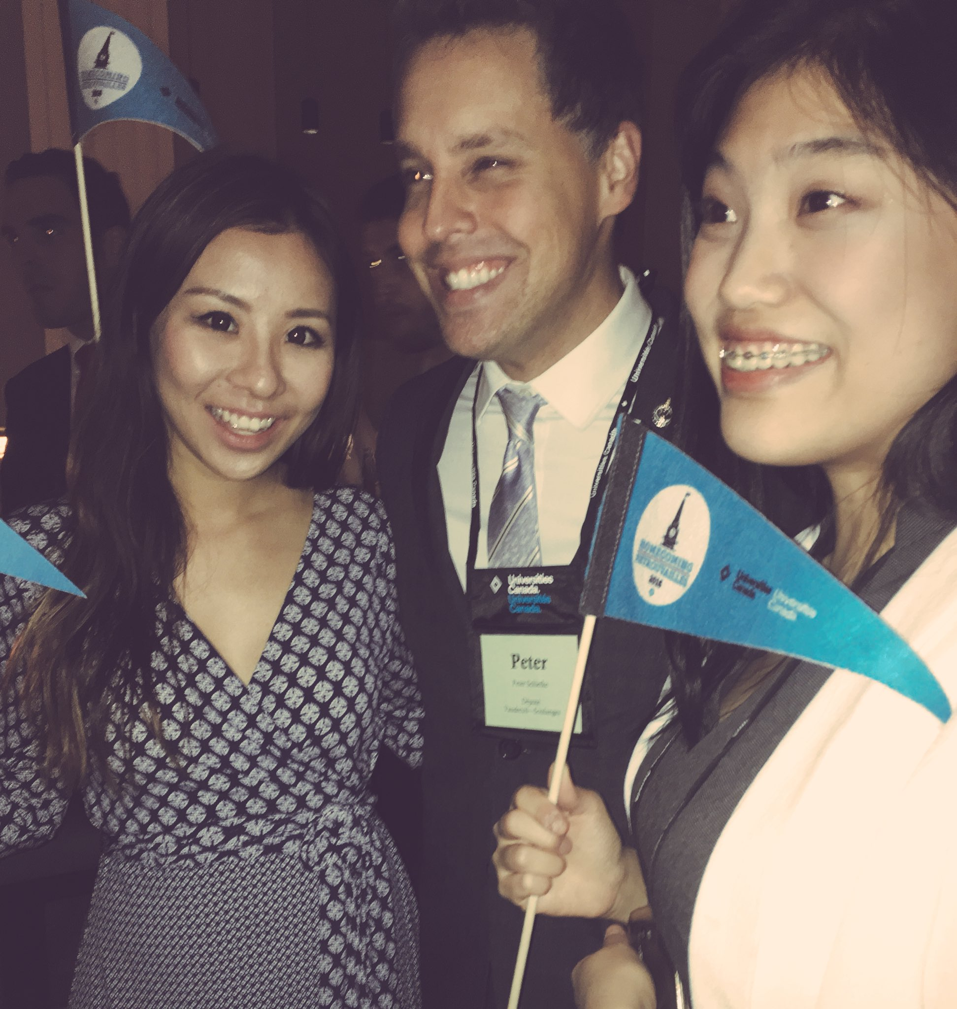 Thanks for being here @PeterSchiefke, Dayeon and @crystalgao , two exceptional #tdscholars at #Homecoming2016 #retrouvailles2016 https://t.co/yRMpdCZ59Q