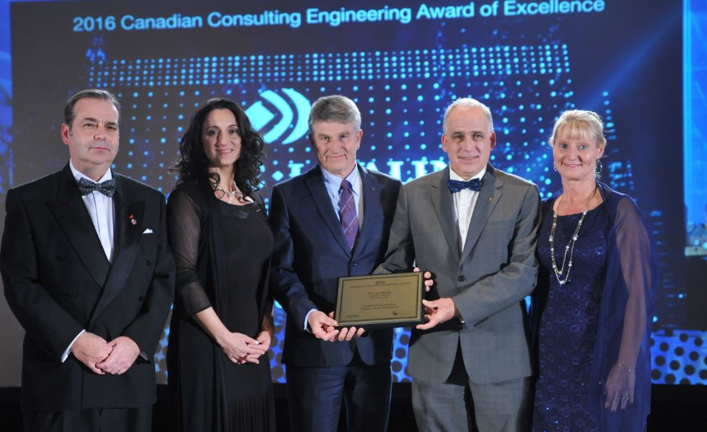 For the Goldcorp- Éléonore project in Rouyn-Noranda, @SNCLavalin honoured with Award of Excellence! #CCEawards https://t.co/AofRvxRorq