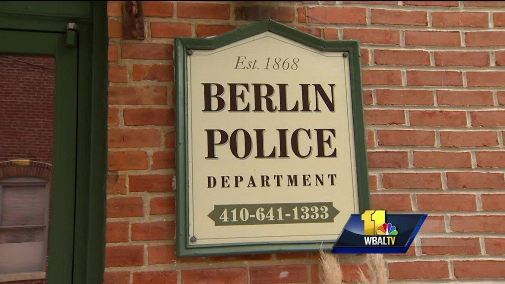 Couple seeks apology from Berlin police