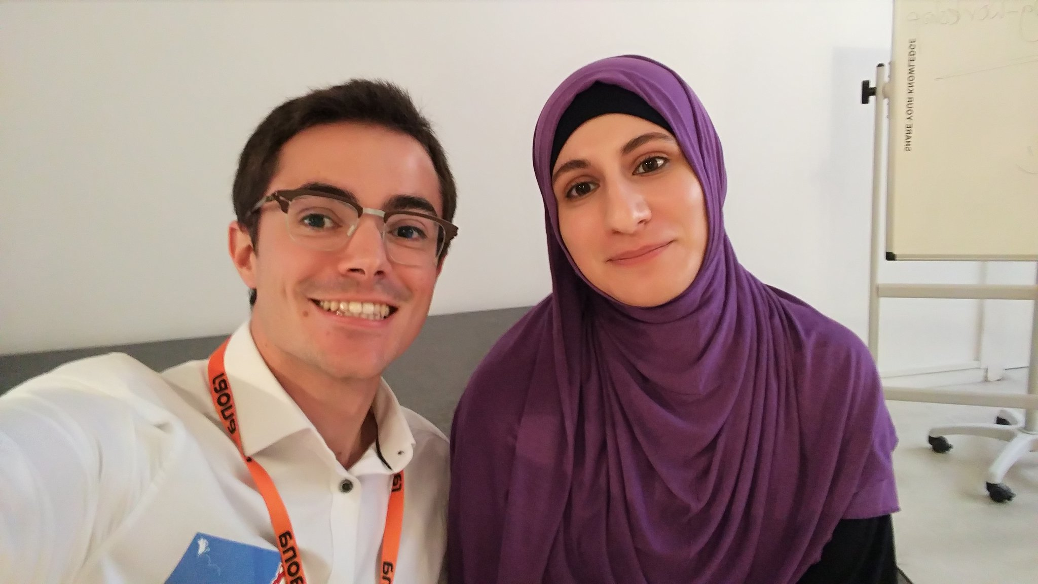 Amazing SVG workshop with @SaraSoueidan in Barcelona! #smashingconf https://t.co/iJG8hEbnz4