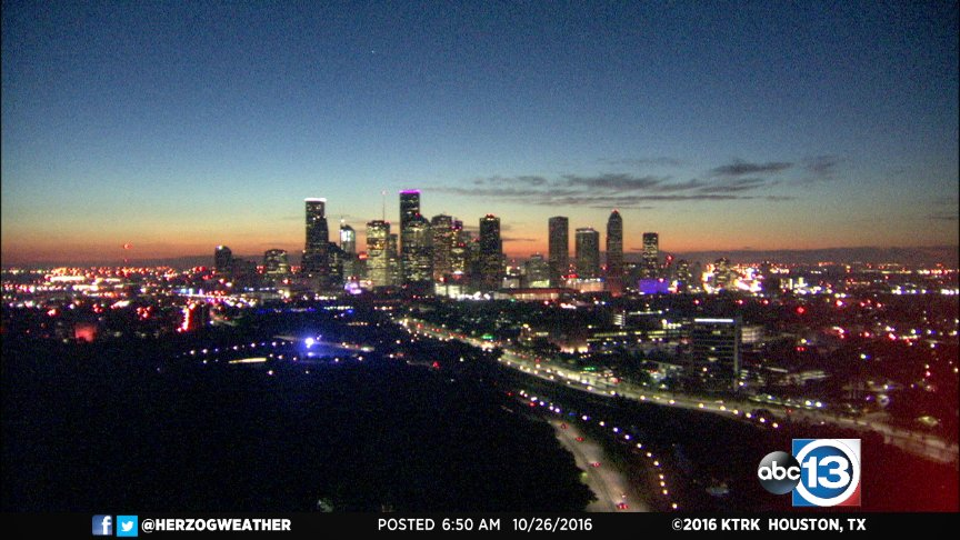 Get ready for another pretty Houston sunrise around 7:30!