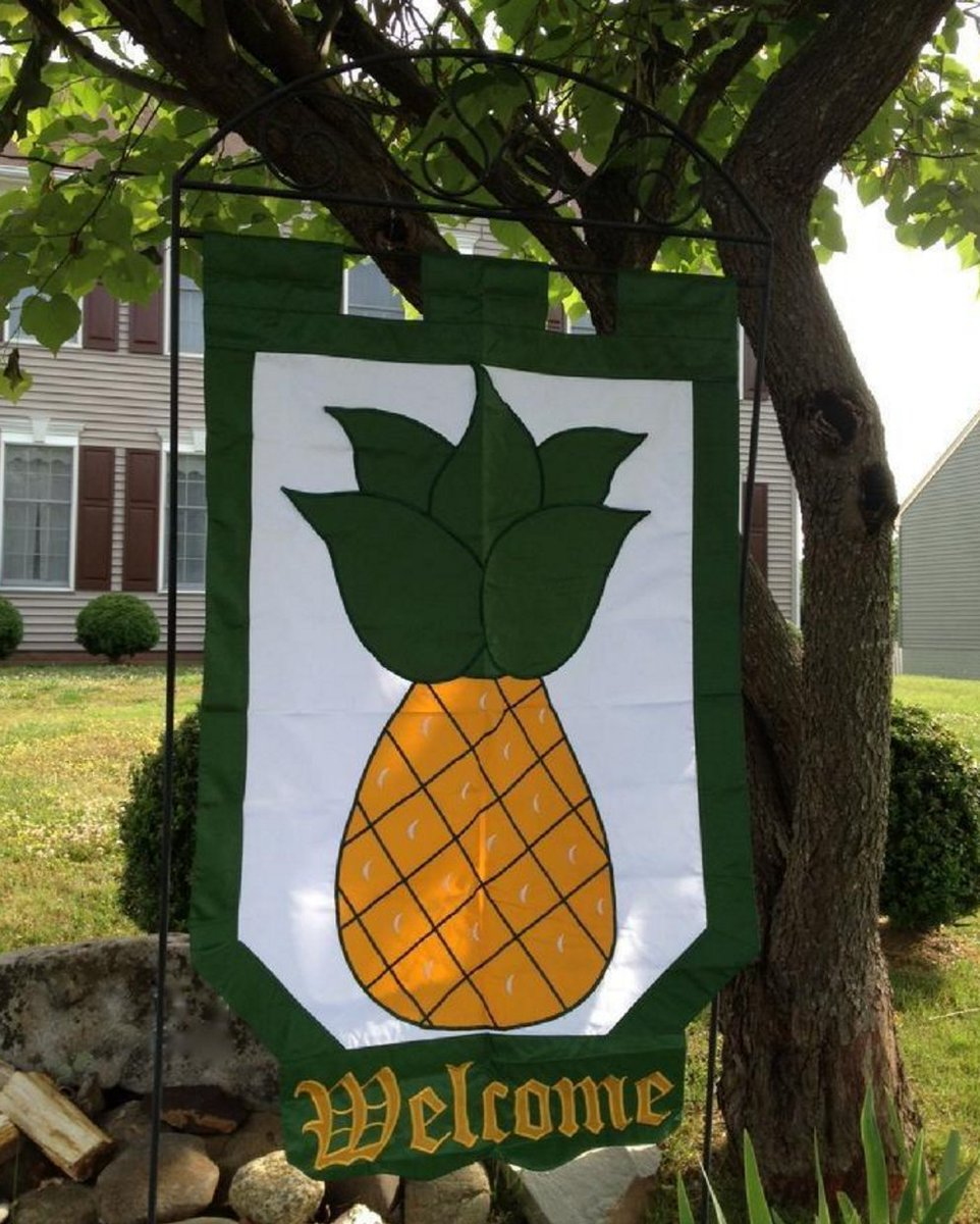 Pineapple swinger sign