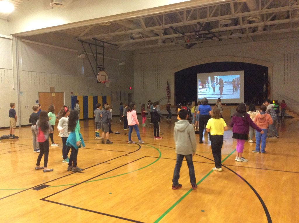 PE and Spanish together with the 5th grade having fun with Zumba! <a target='_blank' href='https://t.co/Bmv1OgU2h4'>https://t.co/Bmv1OgU2h4</a>
