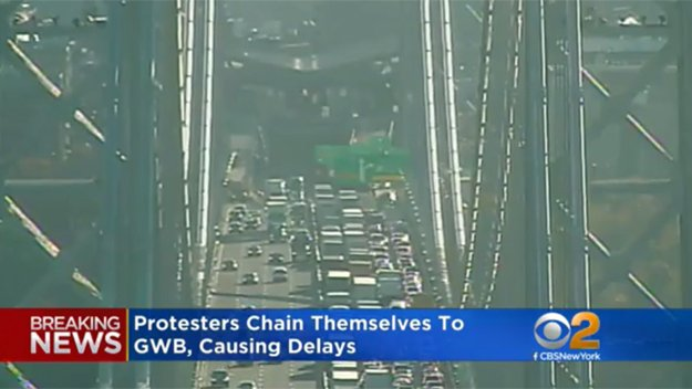 Protesters chained themselves to the George Washington Bridge, 10 arrested. Expect delays