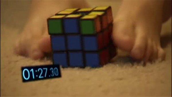 Arizona boy solves Rubik's Cube with feet-