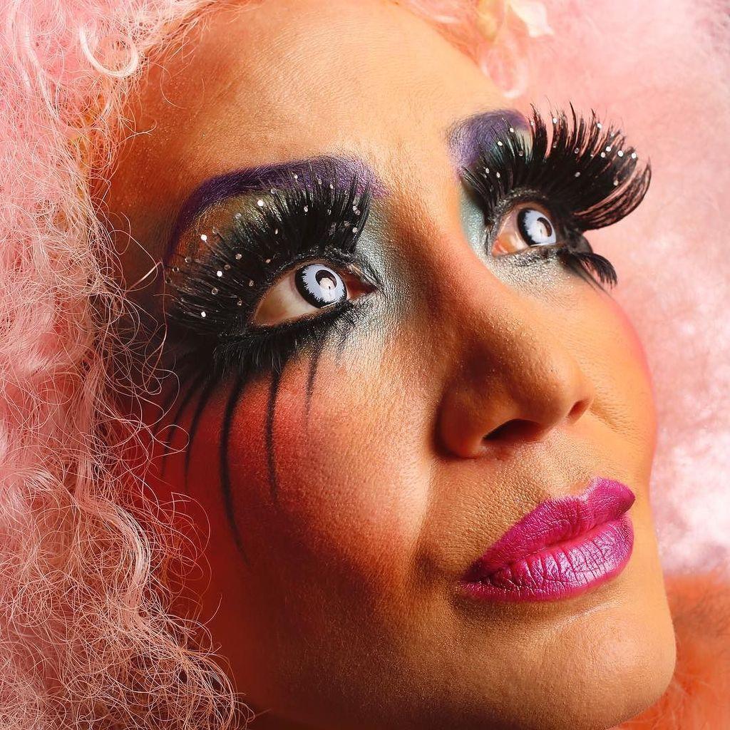 Makeup Artist Midori Tajiri Byrd Offers