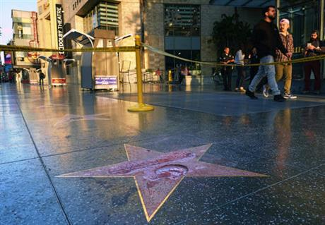 Trump's Hollywood star gets vandalized