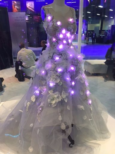 Marchesa Fashion Goes Tech: The Story Behind the Met Gala Dress from #IBMWOW  https://t.co/J8qX34yVNK   @IBMIoT https://t.co/xa4eM0EIuI