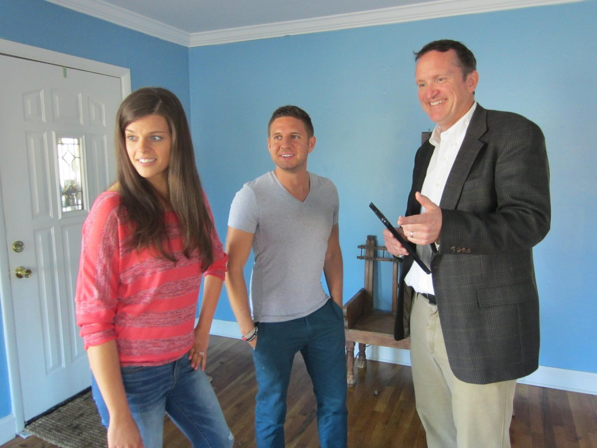 check out these awesome photos from allnew episode of on hgtv at 10pm 9c - House Hunters Renovation Casting