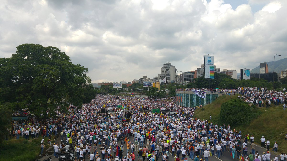 Gobierno de Nicolas Maduro. - Página 19 Cvtz9HNXYAYLLJv
