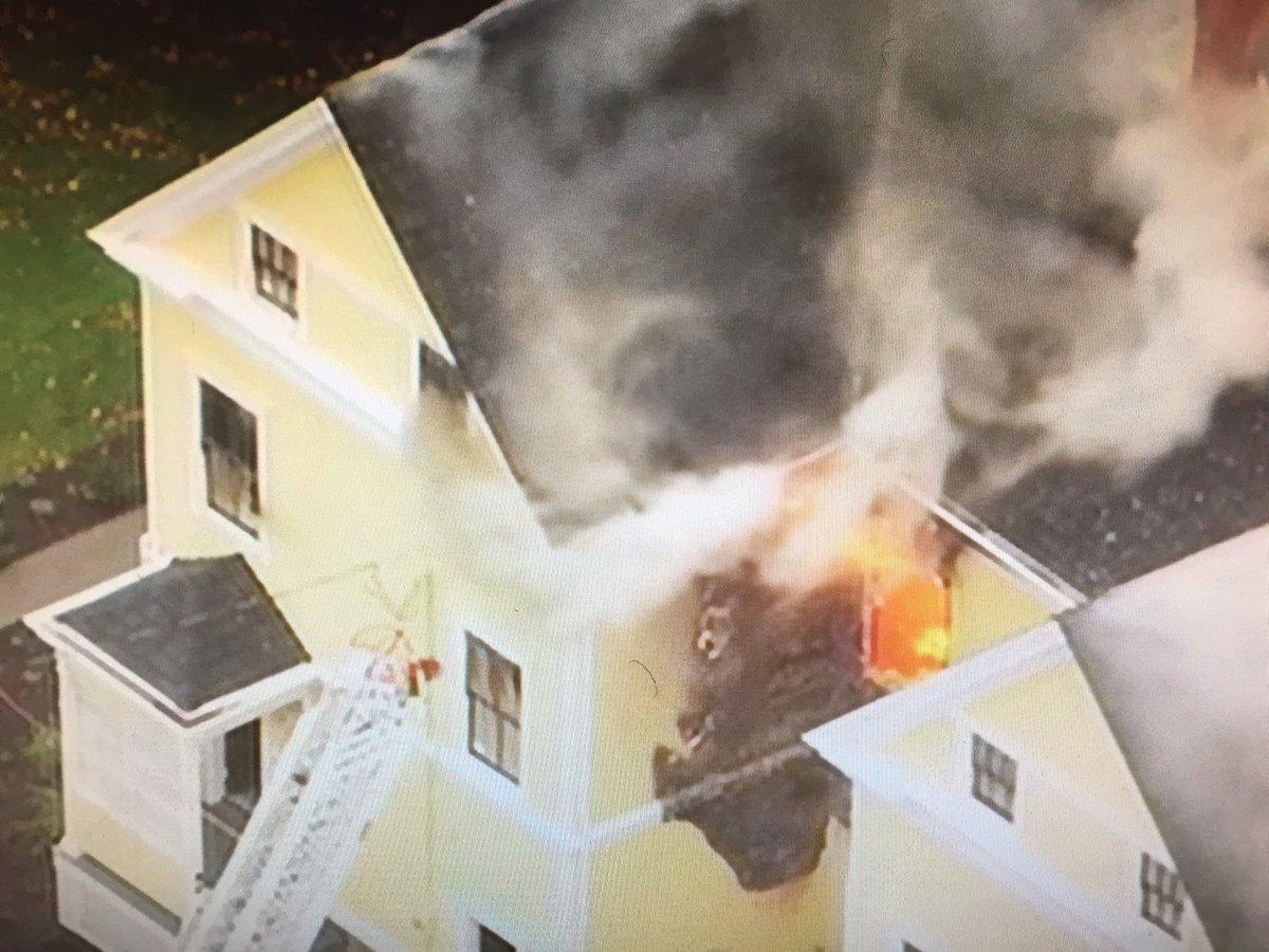 @SeattleFire battling triplex fire in Discovery Park