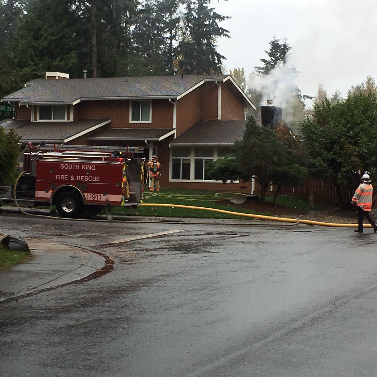 Small fire in Federal Way 6 SW & SW 321 one cat rescued no injuries