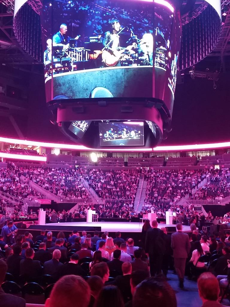 What do @AlexDaKid @GinniRometty @mtbarra have in common? You got it. .. #Watson.  Changing the way we work and live. #ibmwow ready set go.. https://t.co/XSKVoTISJ7