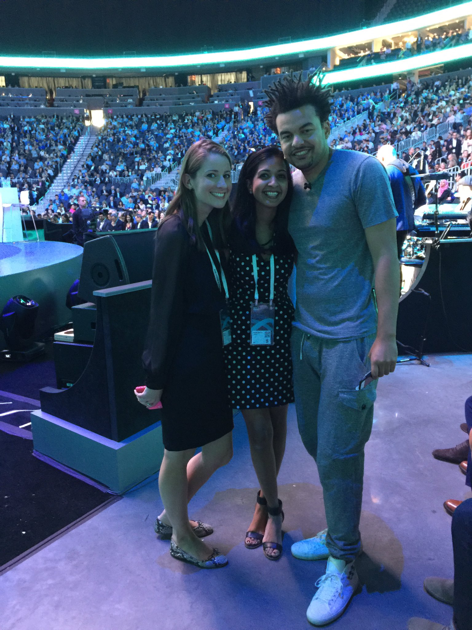 Helping @AlexDaKid prep for his #IBMWOW keynote speech with our rockstar CEO #ginnirometty #ibm #NotEasy #CognitiveMusic https://t.co/qjxMGwvbyp