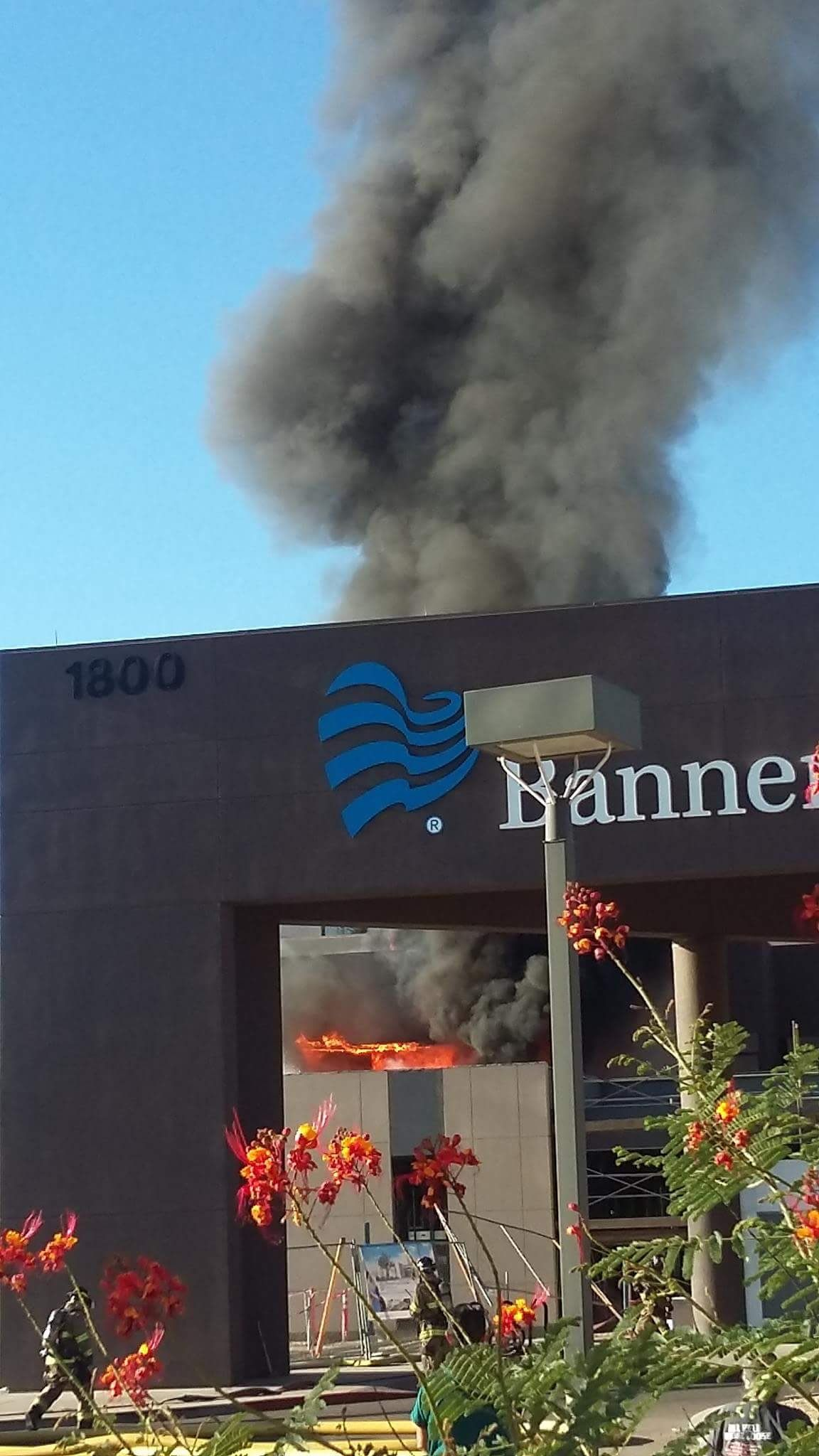 Photo  Fire burns at Banner Hospital in Casa Grande Ariz  hospital NANN6UyE