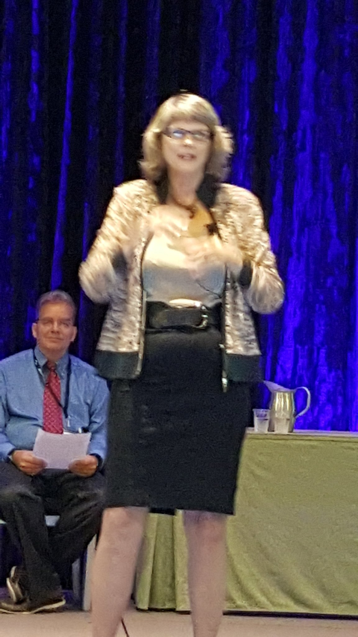 Tchr as stock broker, where invest most precious resource: time #NCTMregionals #presIgnite @CathySeeley https://t.co/BR8LAOLOpq