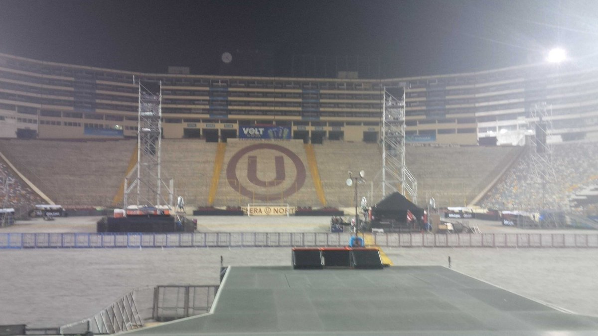 2016.10.27 - Estadio Monumental, Lima, Peru CvvK1iTXYAAWUIj