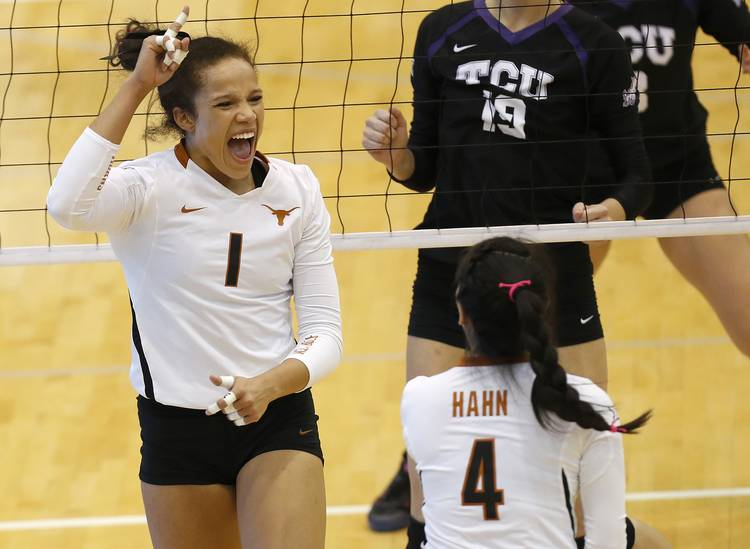 No. 2 Texas Longhorns volleyball sweeps Oklahoma ahead of match-up with No. 6 Kansas